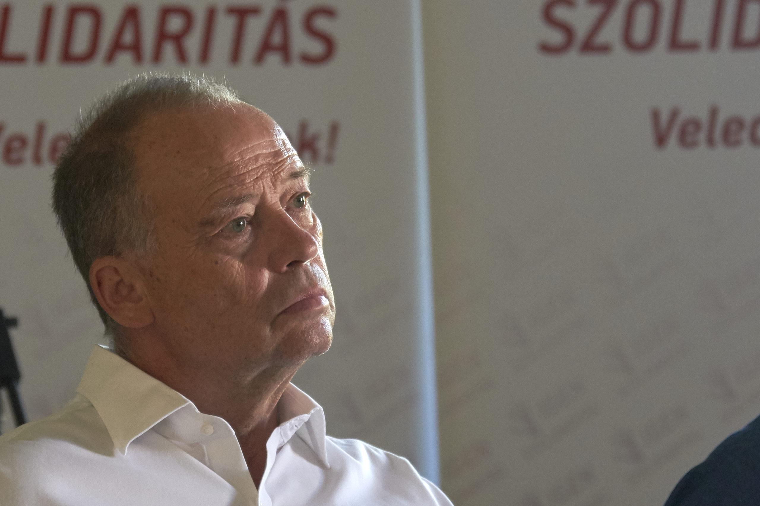 Varga Mihály idén május elsején akkorát hazudott, mint ide Lacháza! – Az alapjövedelem, mint munkaellenes magatartás?